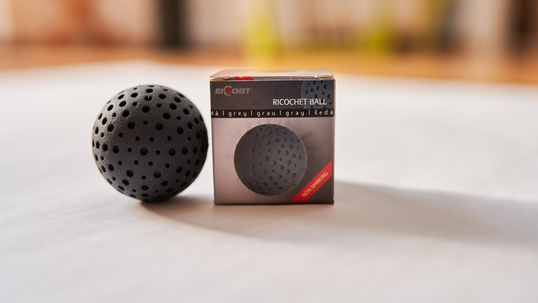 Ricochet Ball in der Farbe Grau für Profils